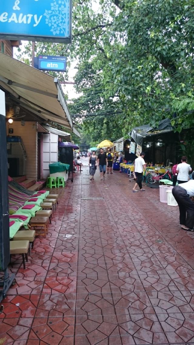Rambuttri es uno de los mejores lugares para los recien llegados a Bangkok